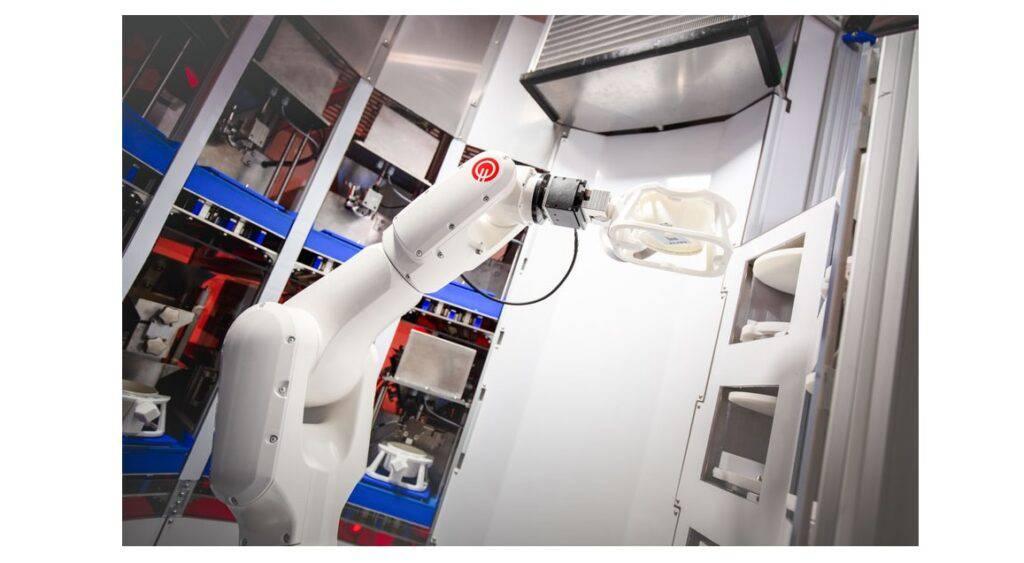 Karakuri micro-fulfillment robot